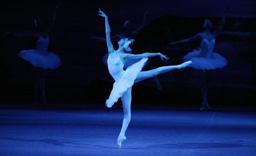 BOLSHOI LIVE: Swan Lake